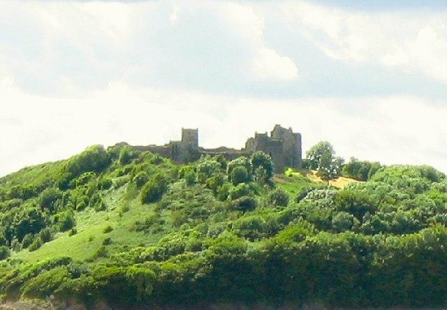 File:Llansteffan Castle - geograph.org.uk - 24217.jpg