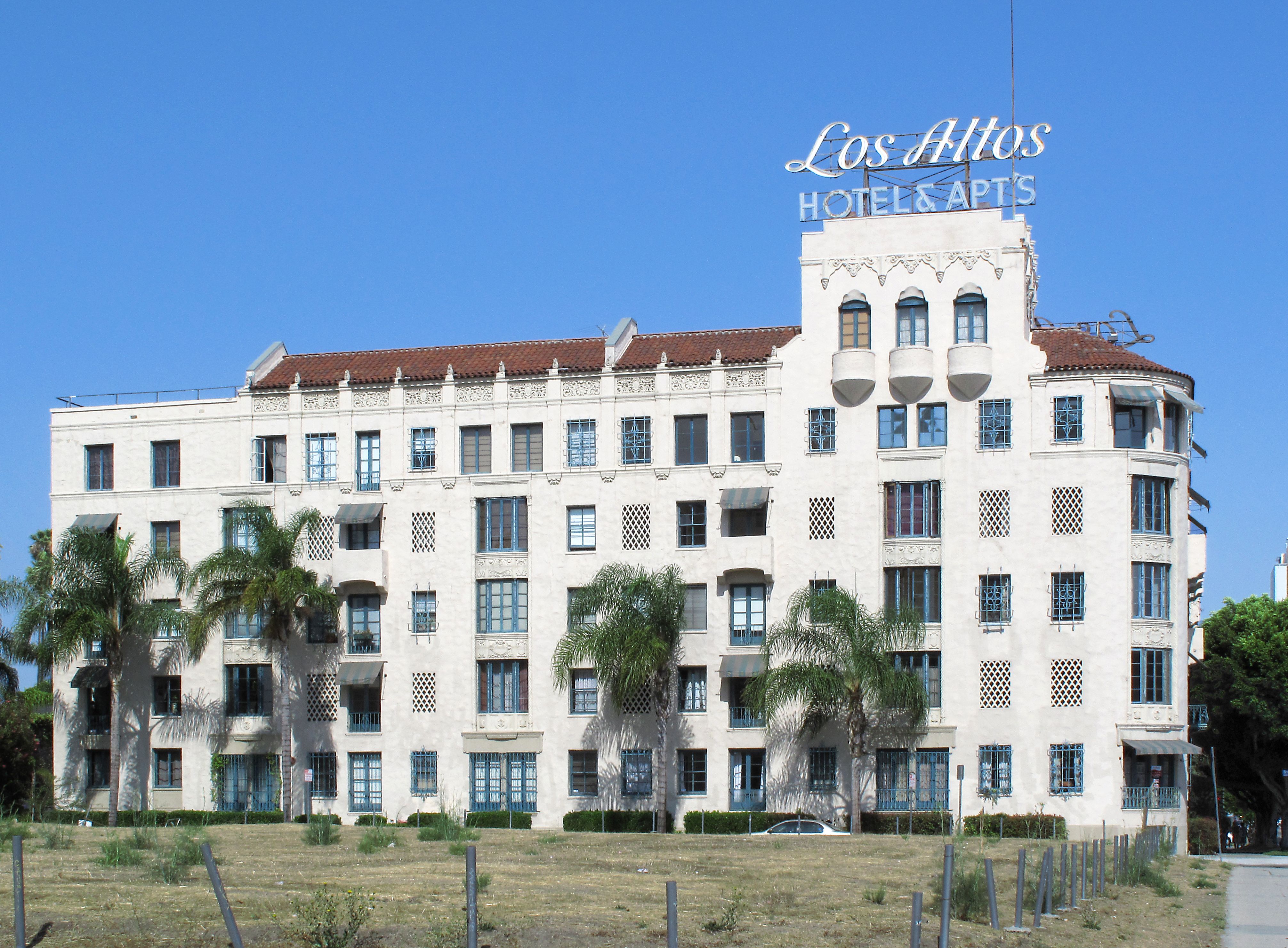 Los Angeles Apartments For Sale
