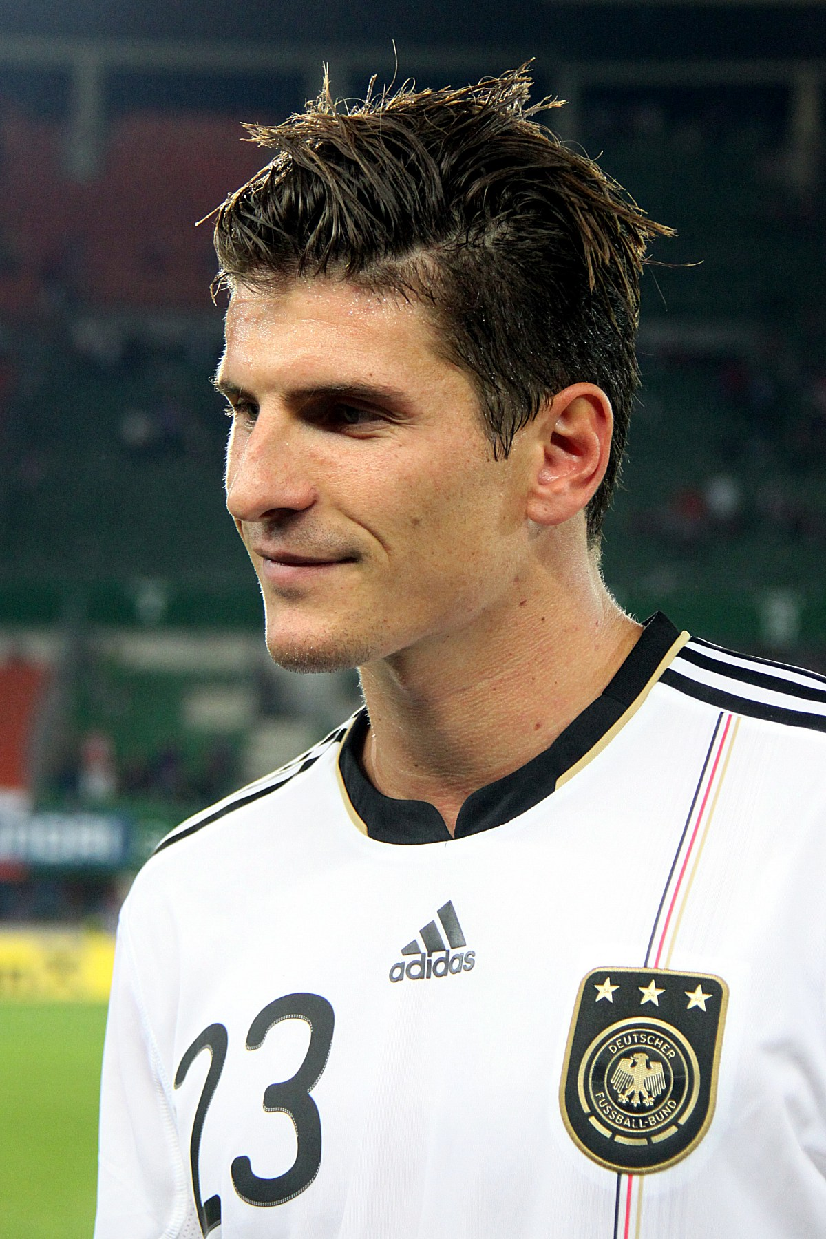 The 32-year old son of father Pepe Gómez and mother Christel Roth, 188 cm tall Mario Gomez in 2018 photo