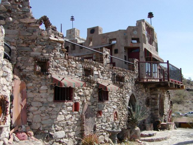 Mystery Castle - Wikipedia