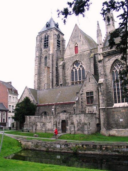 Onze-Lieve-Vrouwekerk (Kortrijk)
