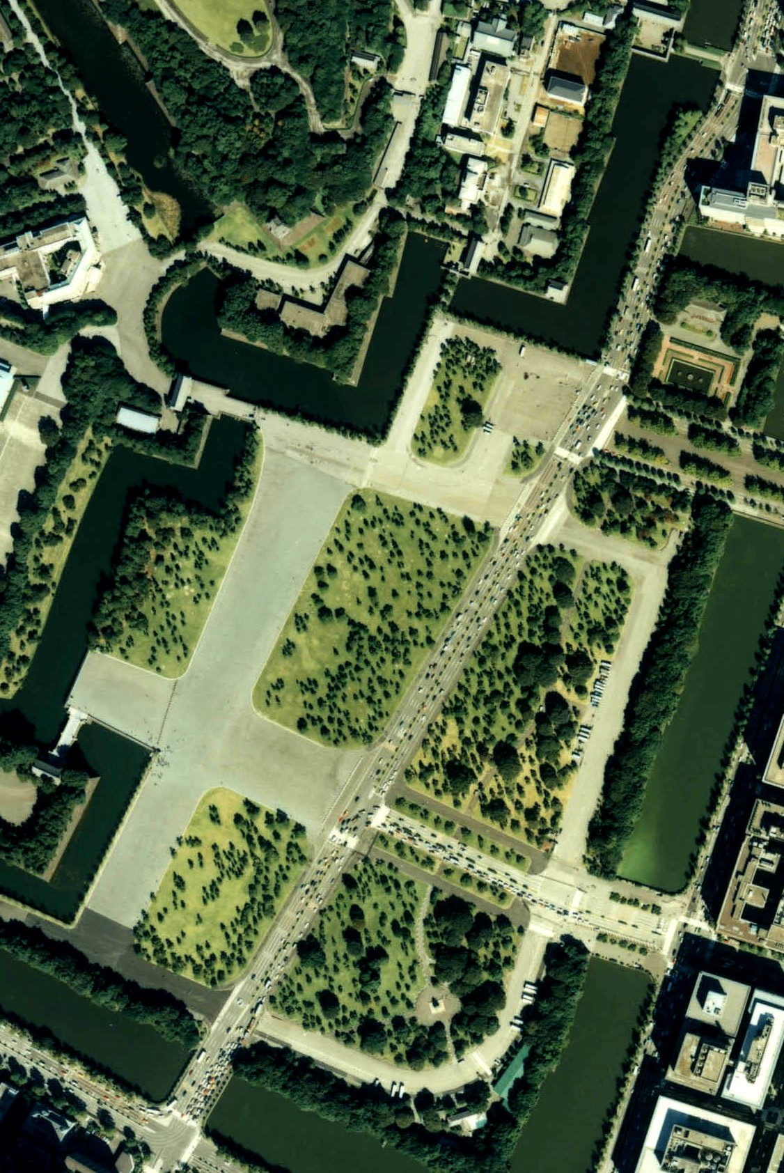 File outer garden of the imperial palace japan 1989 air for Outer garden