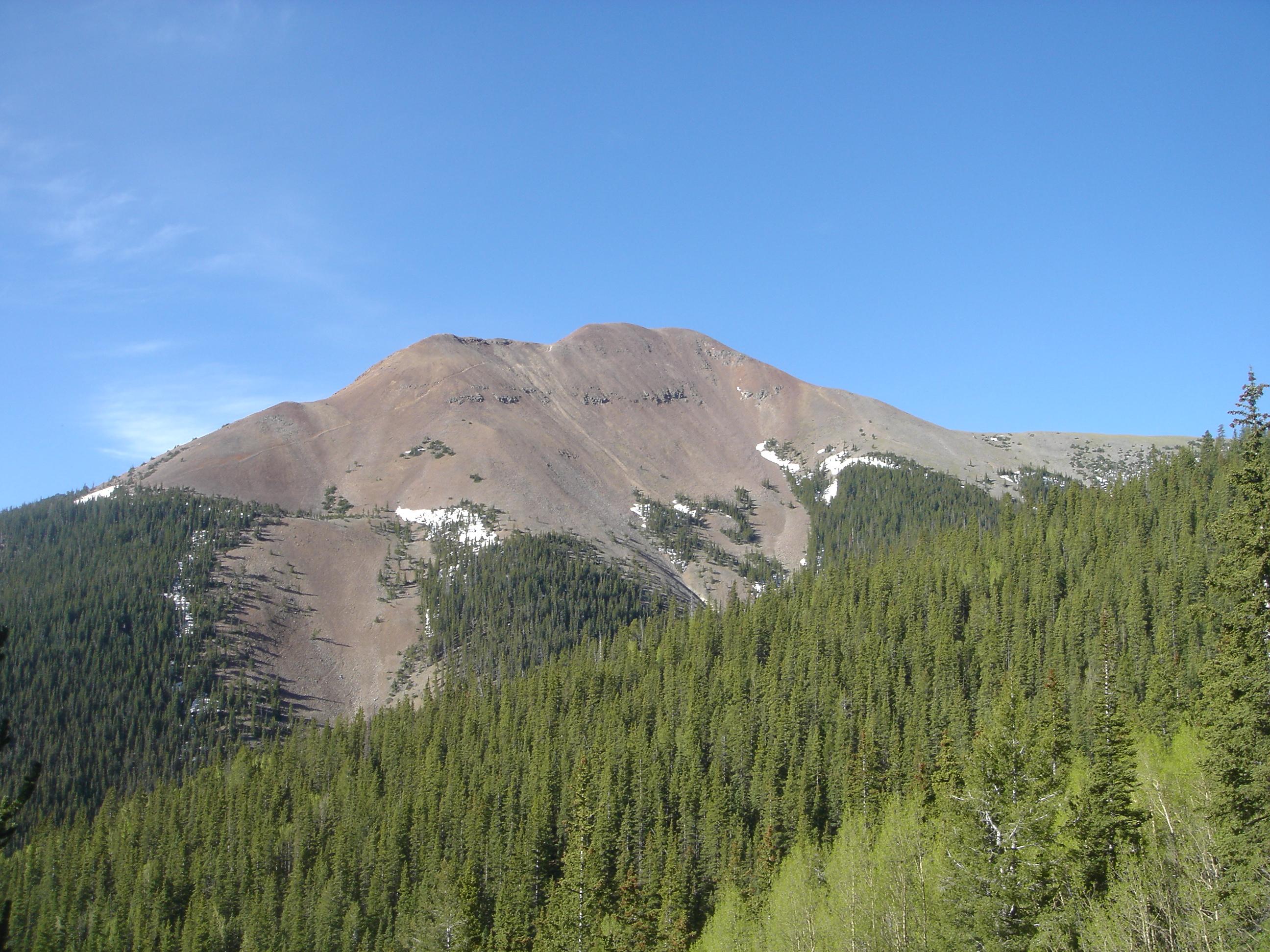el basalto y la gloria Philmont_Scout_Ranch_Baldy_Mountain_from_Copper_Park