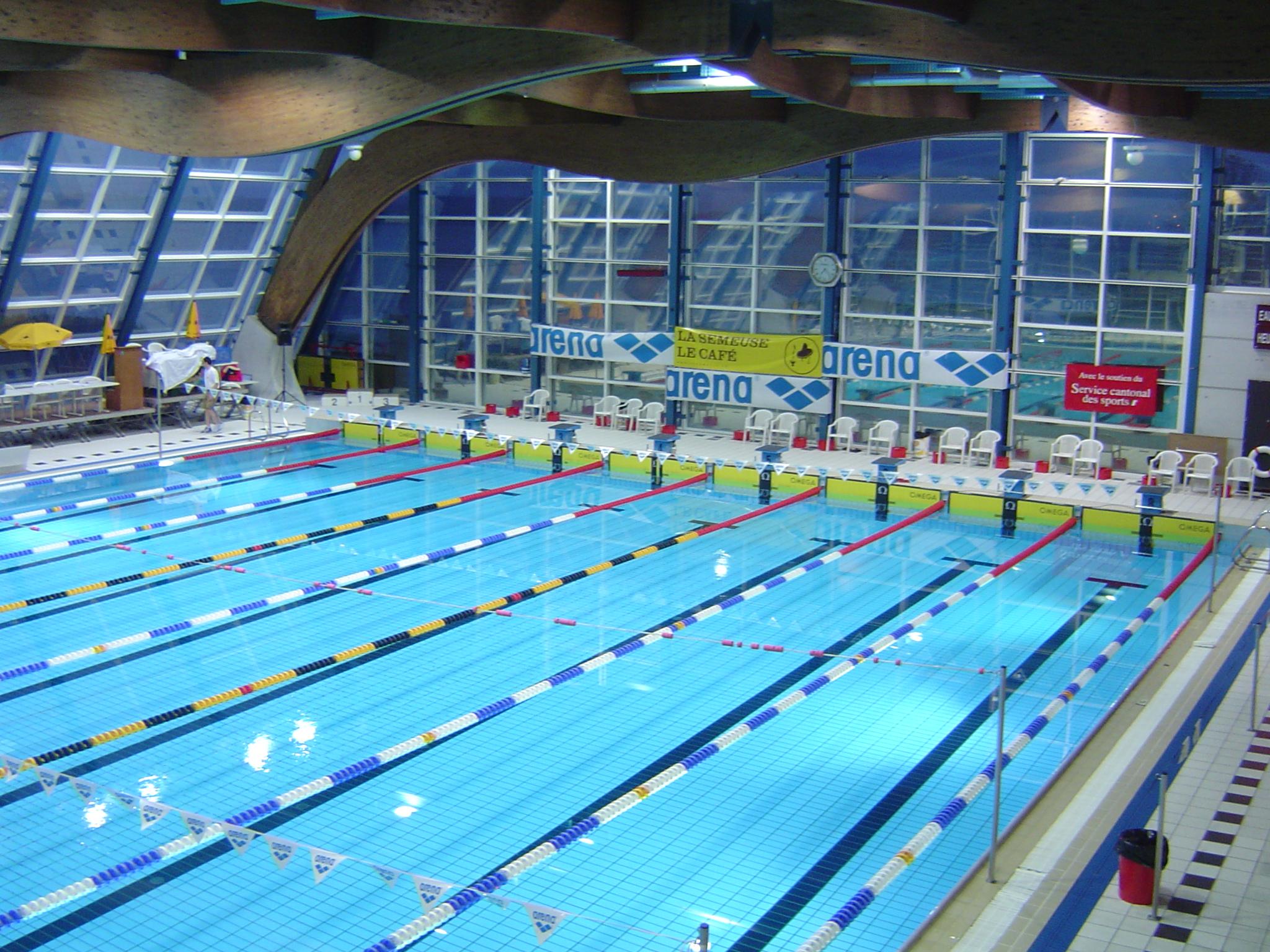 File piscines du nid du cr jpg wikimedia commons for Piscine olympique