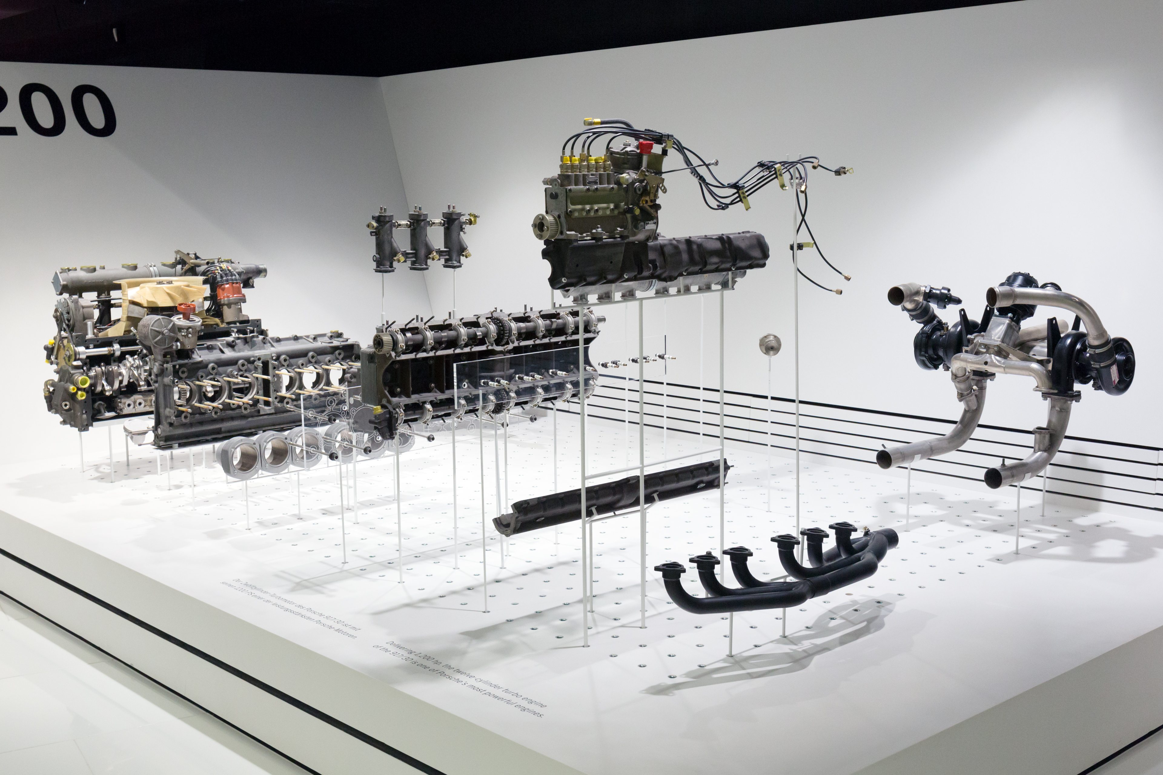 File Porsche 912 Engine For 917 30 Cutaway Porsche Museum Jpg Wikimedia Commons