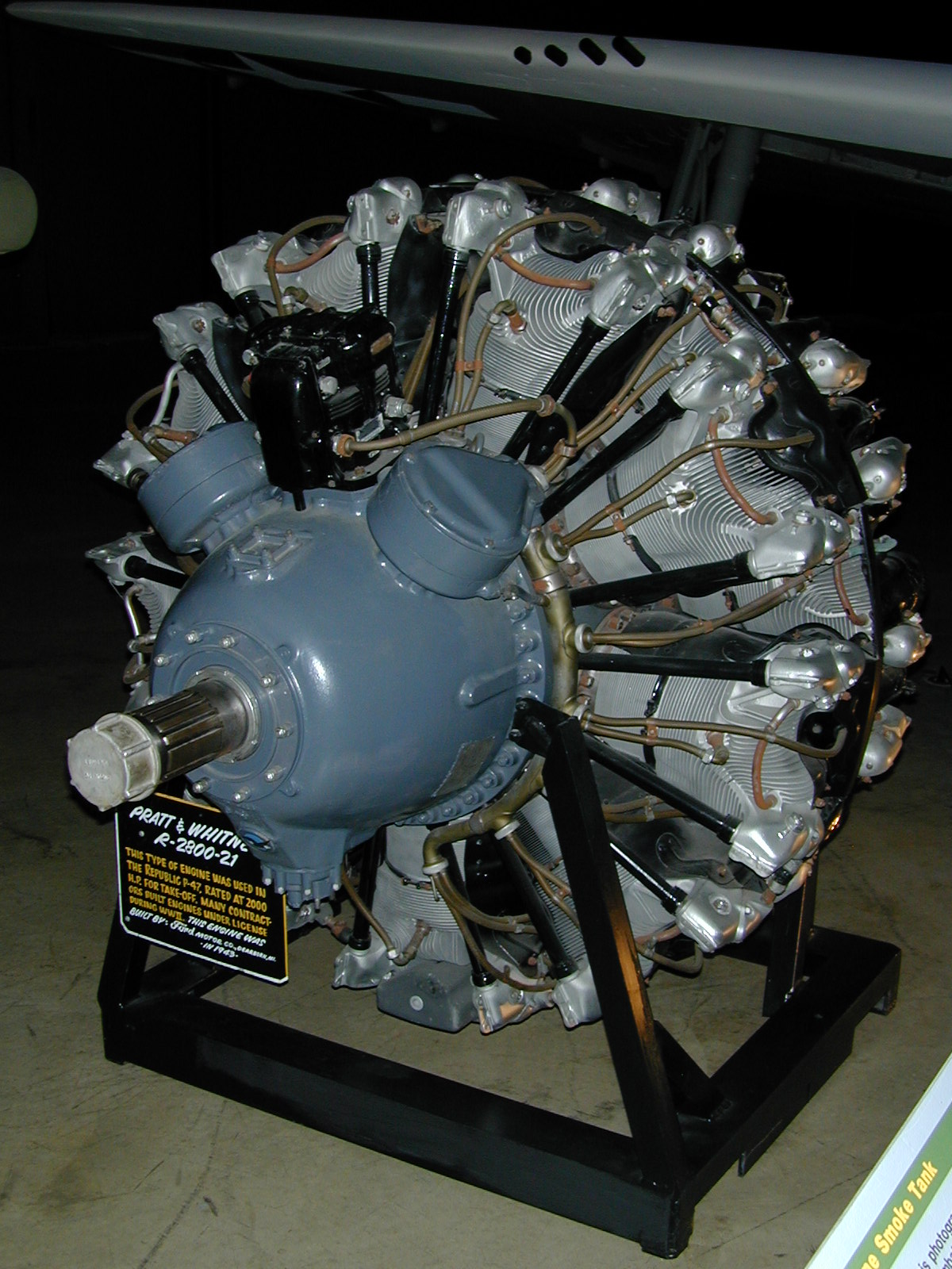 Pratt_&_Whitney_R-2800_Engine_1.jpg