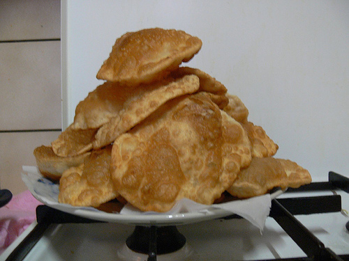 Puri India  city photos gallery : Mejwani: kelyachya Purya Banana flavored puri | Mejwani Recipes ...