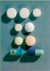 A variety of Quaalude pills and capsules.