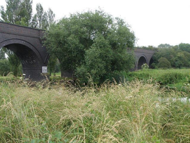Railway viaduct, Thrapston - geograph.org.uk - 1381785