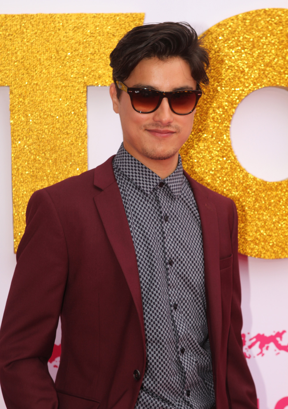The 31-year old son of father (?) and mother(?) Remy Hii in 2018 photo. Remy Hii earned a  million dollar salary - leaving the net worth at 0.5 million in 2018