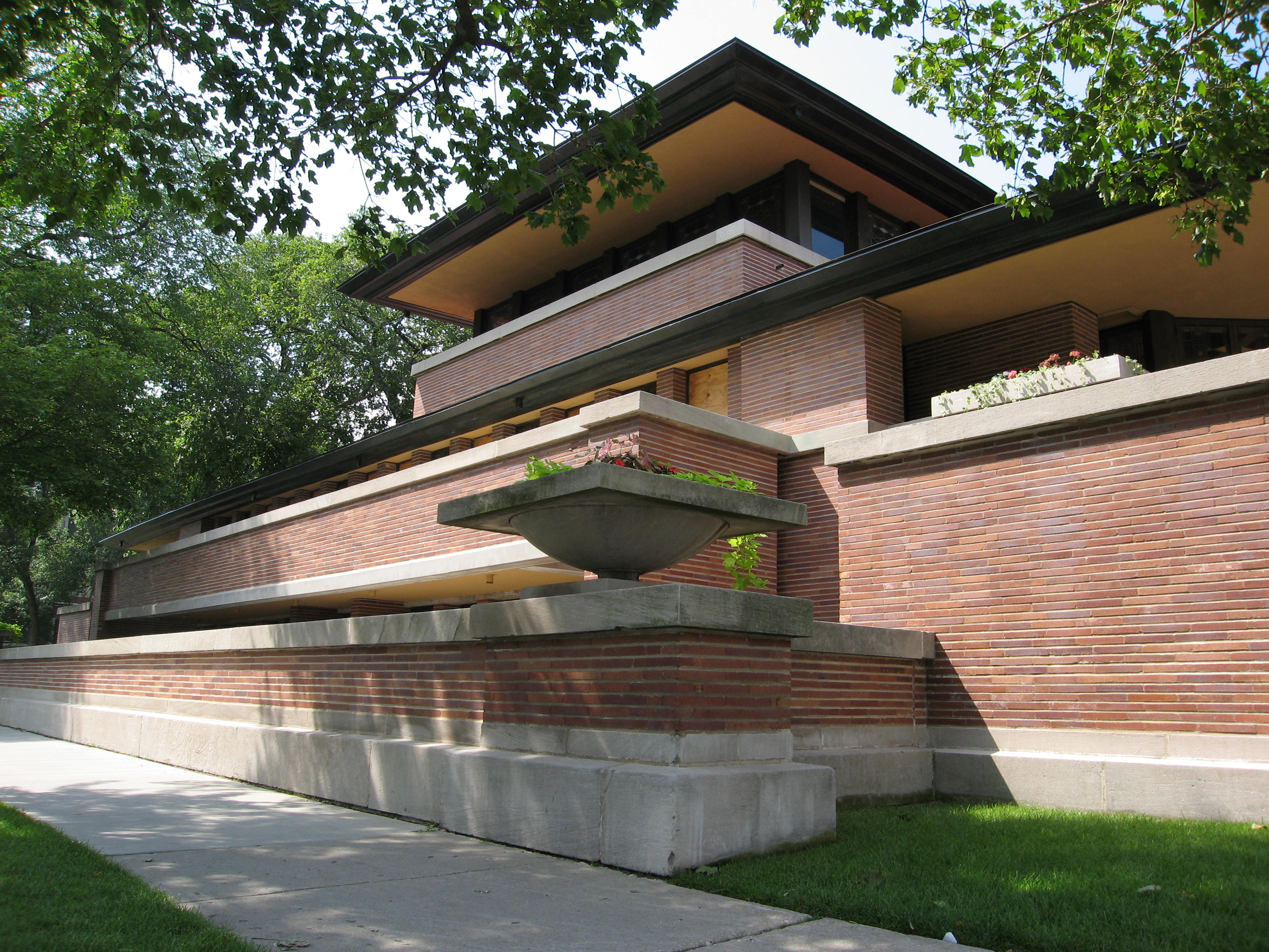 File:Robie House designed by Frank Lloyd Wright 1909.jpg ...