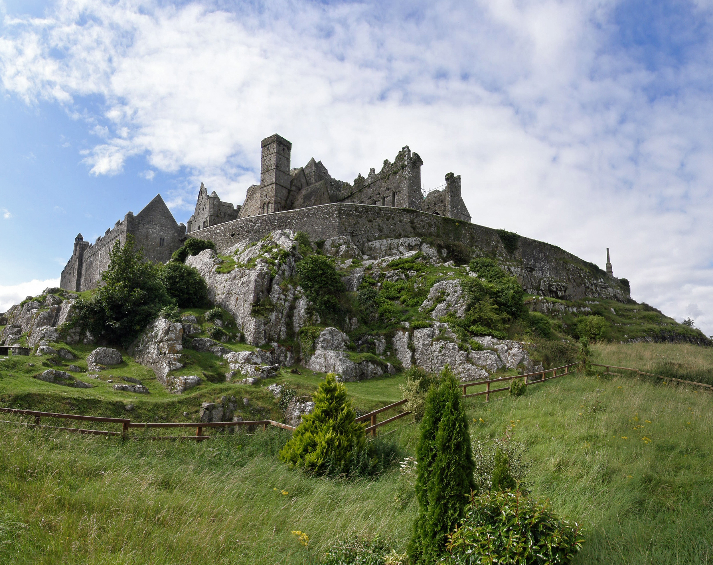 Rock of Cashel - Tipperary, Ireland - August 16, 2008.jpg