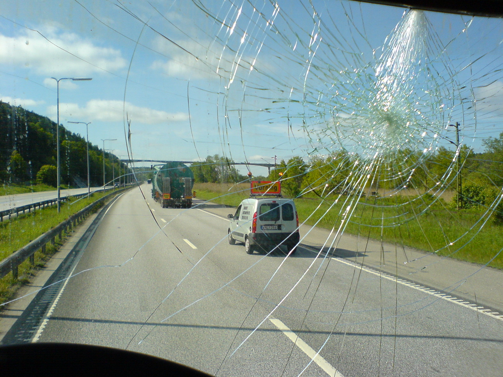A damaged windscreen is a danger for motorists. A windshield in Nelspruit will keep you safe on the roads.