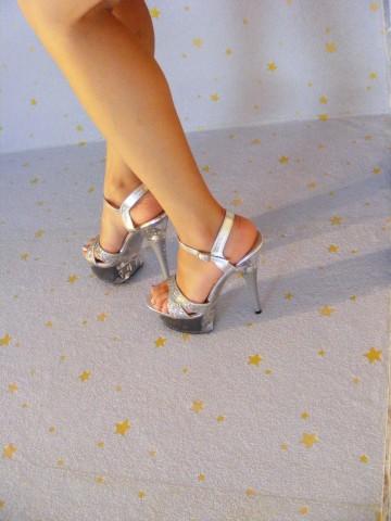 Sexy legs high heels pics