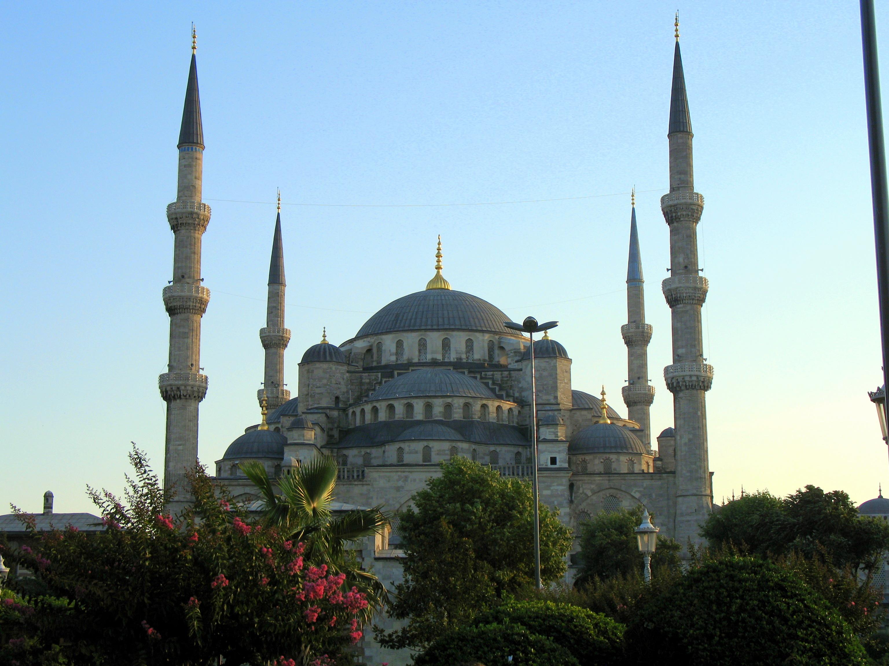 File:Sultanahmet Camii 2006.JPG - Wikimedia Commons