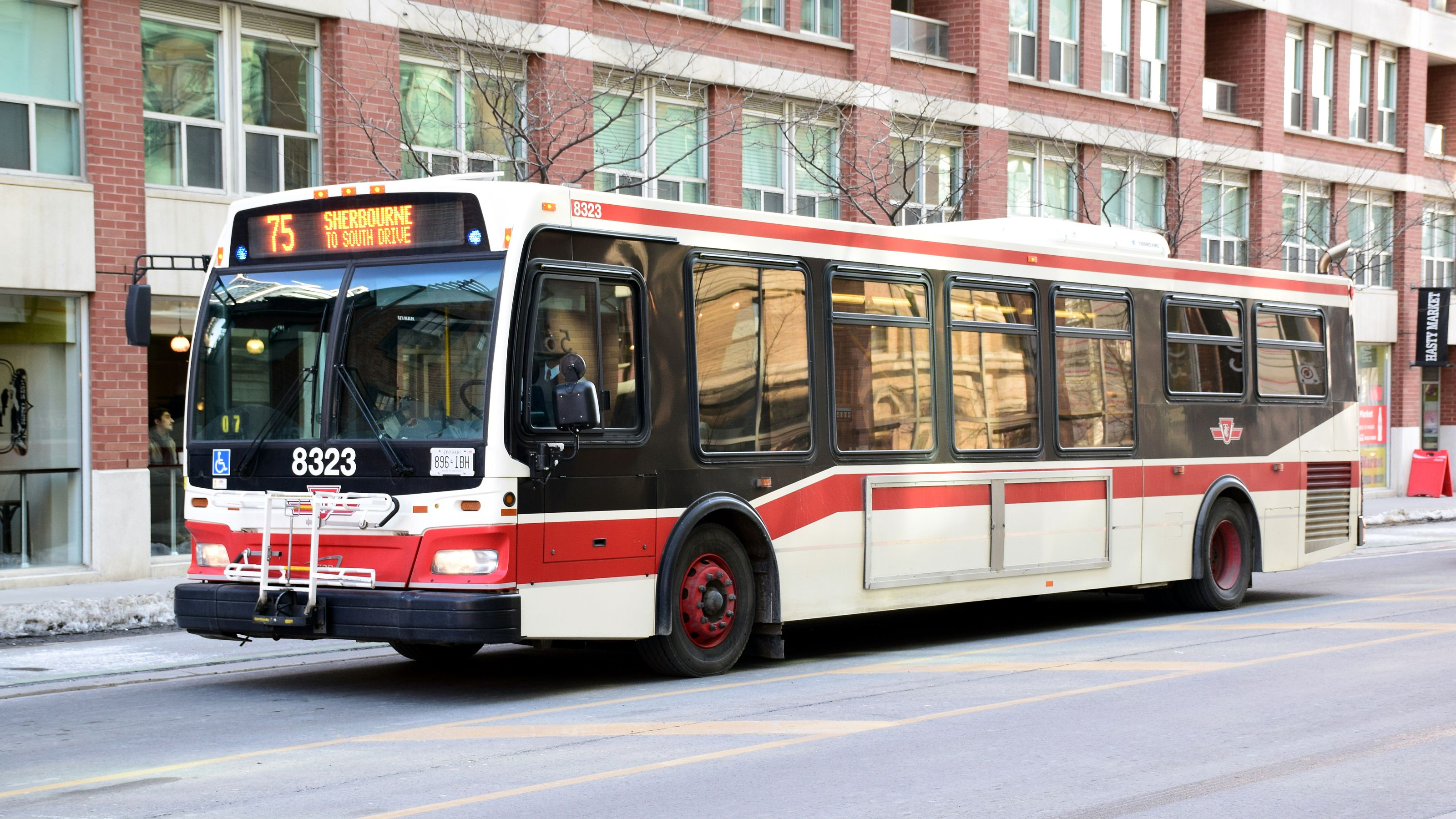 File:TTC 8323 on Route 75 Sherbourne.JPG - Wikimedia Commons