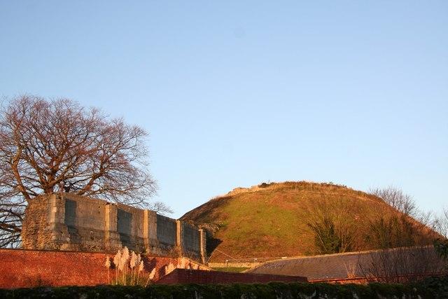 Tickhill Castle - geograph.org.uk - 1079947