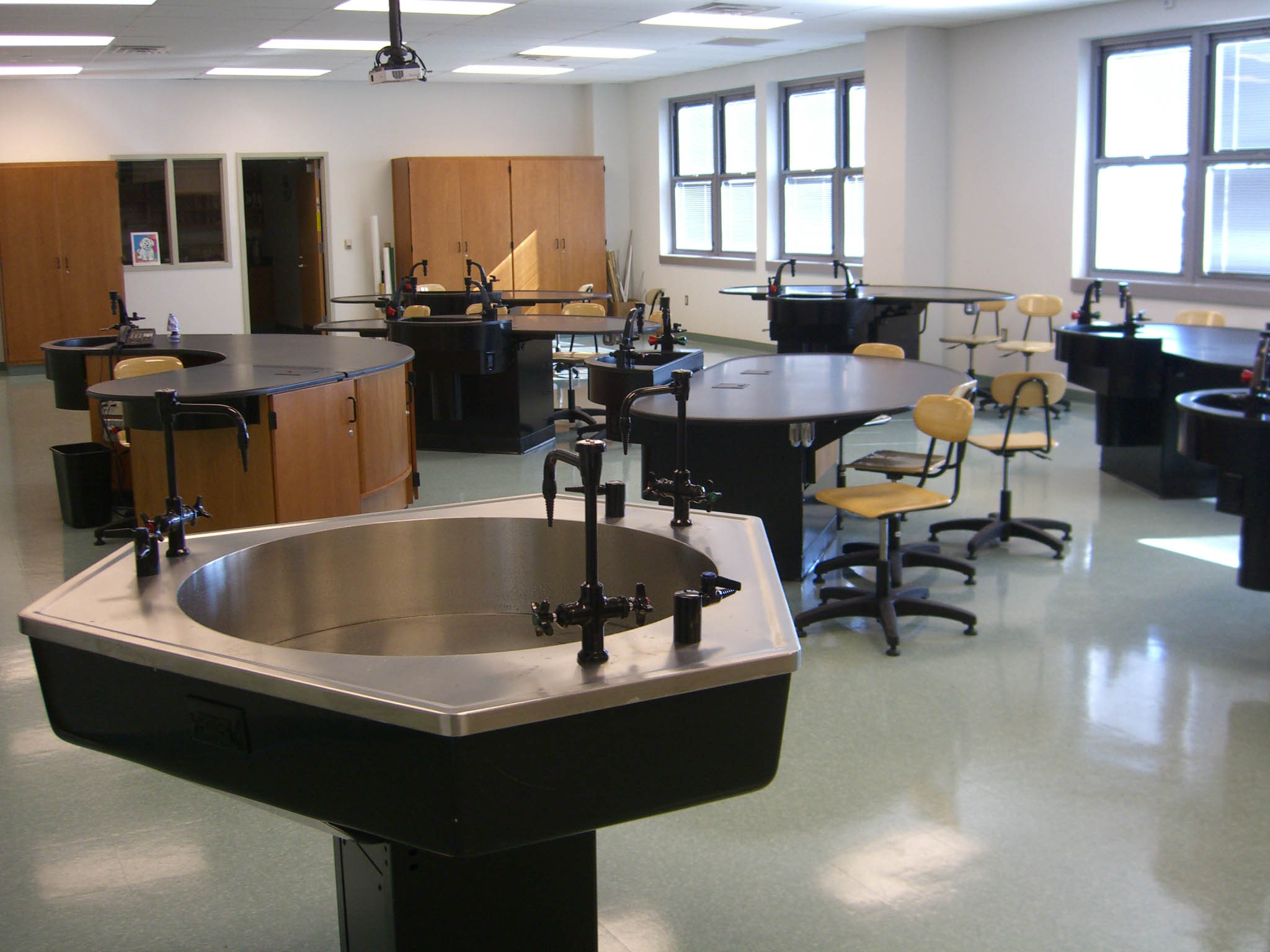 Modern School Furniture Suppliers ~ File uchssciencelab byluiginovi g wikimedia commons