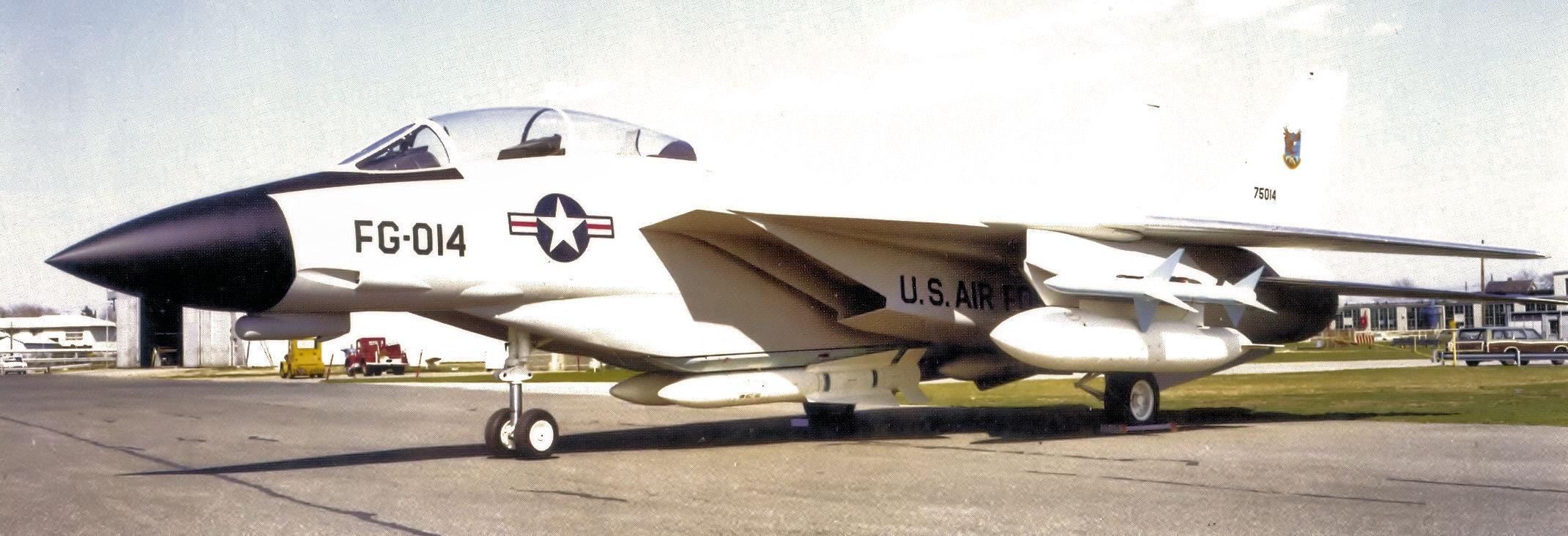 USAF_ADCOM_Grumman_F-14_Tomcat_proposed_interceptor_-_1972.jpg