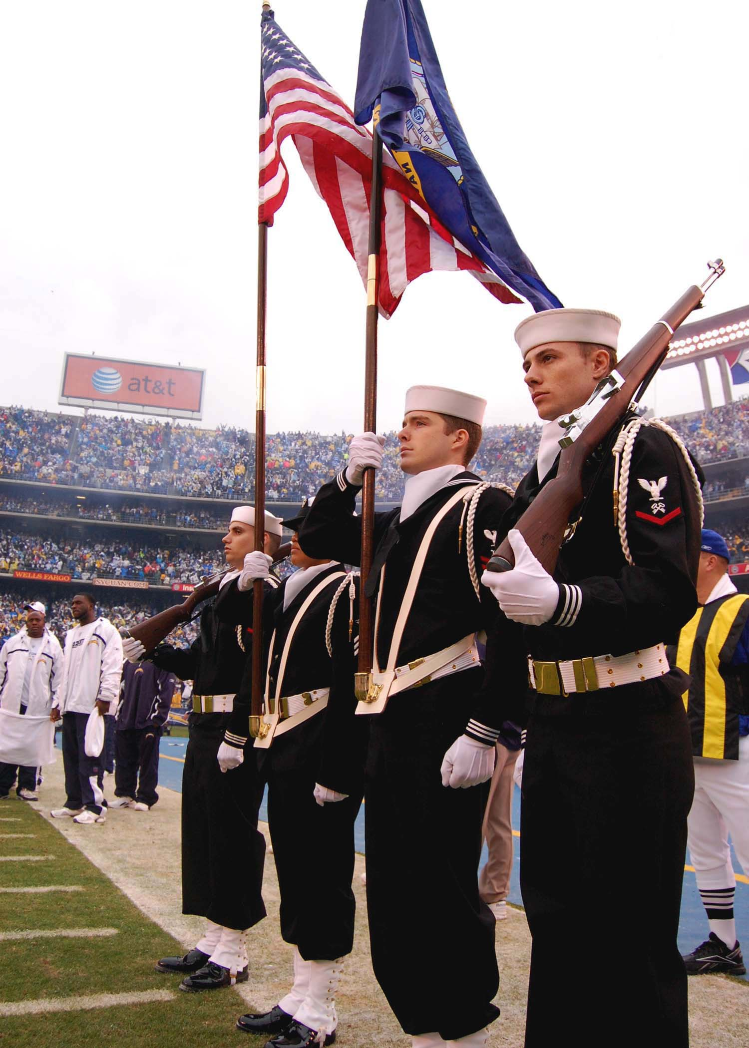 File Us Navy 080106 N 0515w 112 The Color Guard Team From