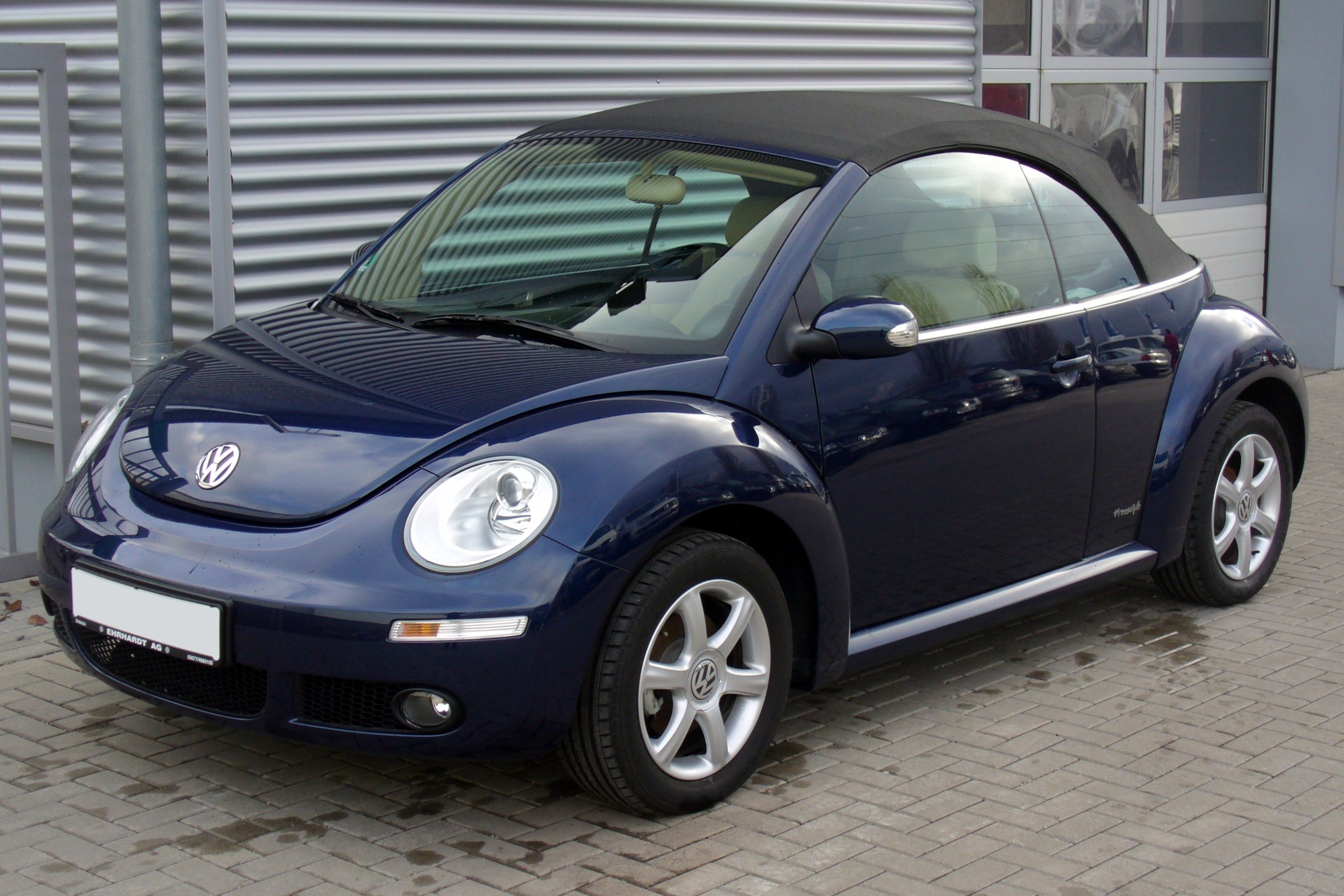 file vw new beetle cabrio 1 6 freestyle shadowblue jpg wikimedia commons. Black Bedroom Furniture Sets. Home Design Ideas