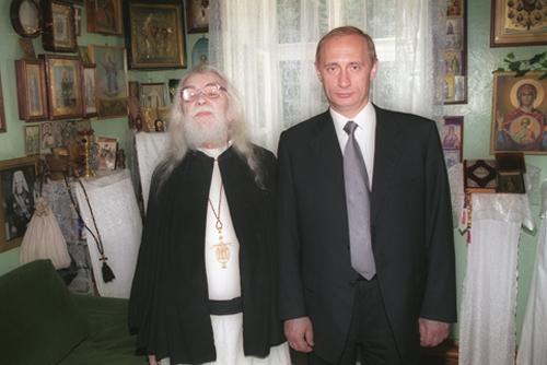 о. Иоанн и Владимир Путин, 2000 год
