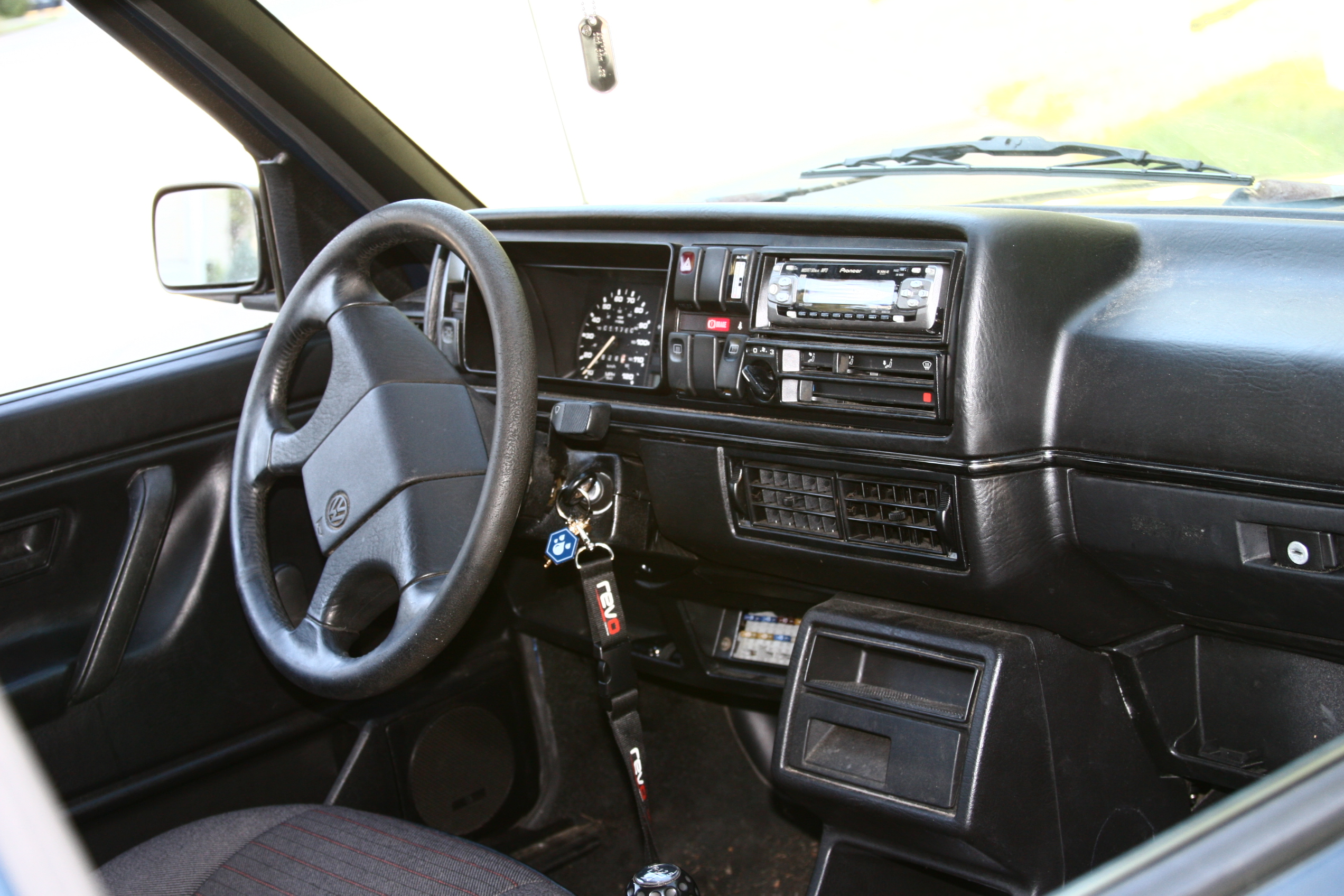 Golf Gti interior, bolster. FilVwgolfmk2interior.JPG