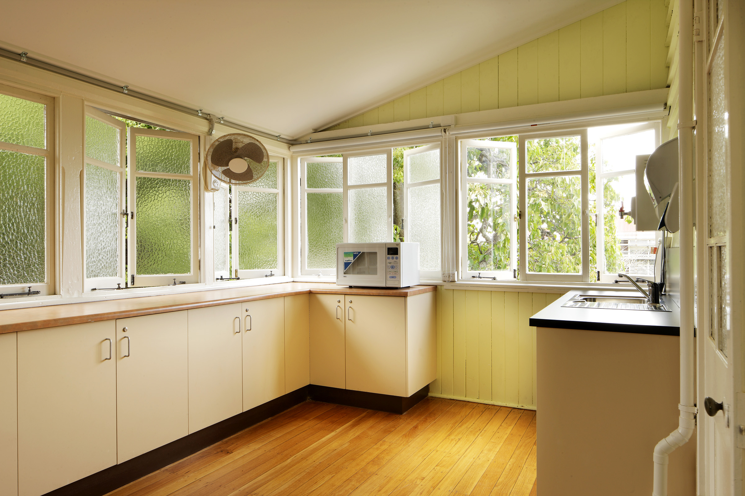 Small Kitchens Can Feel Open Amp Airy Too
