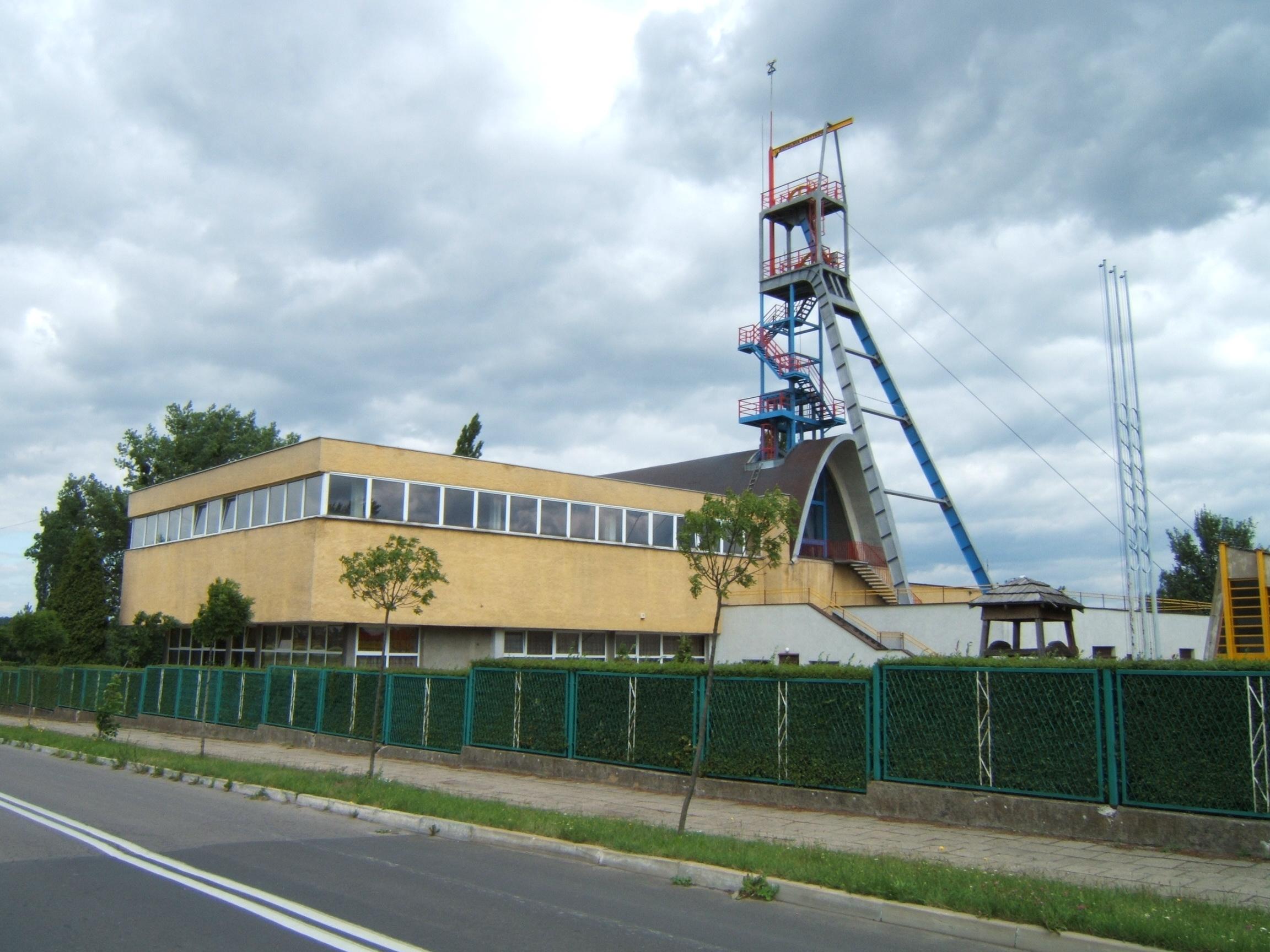 """Budynek Muzeum Górnictwa i szyb """"Anioł"""""""