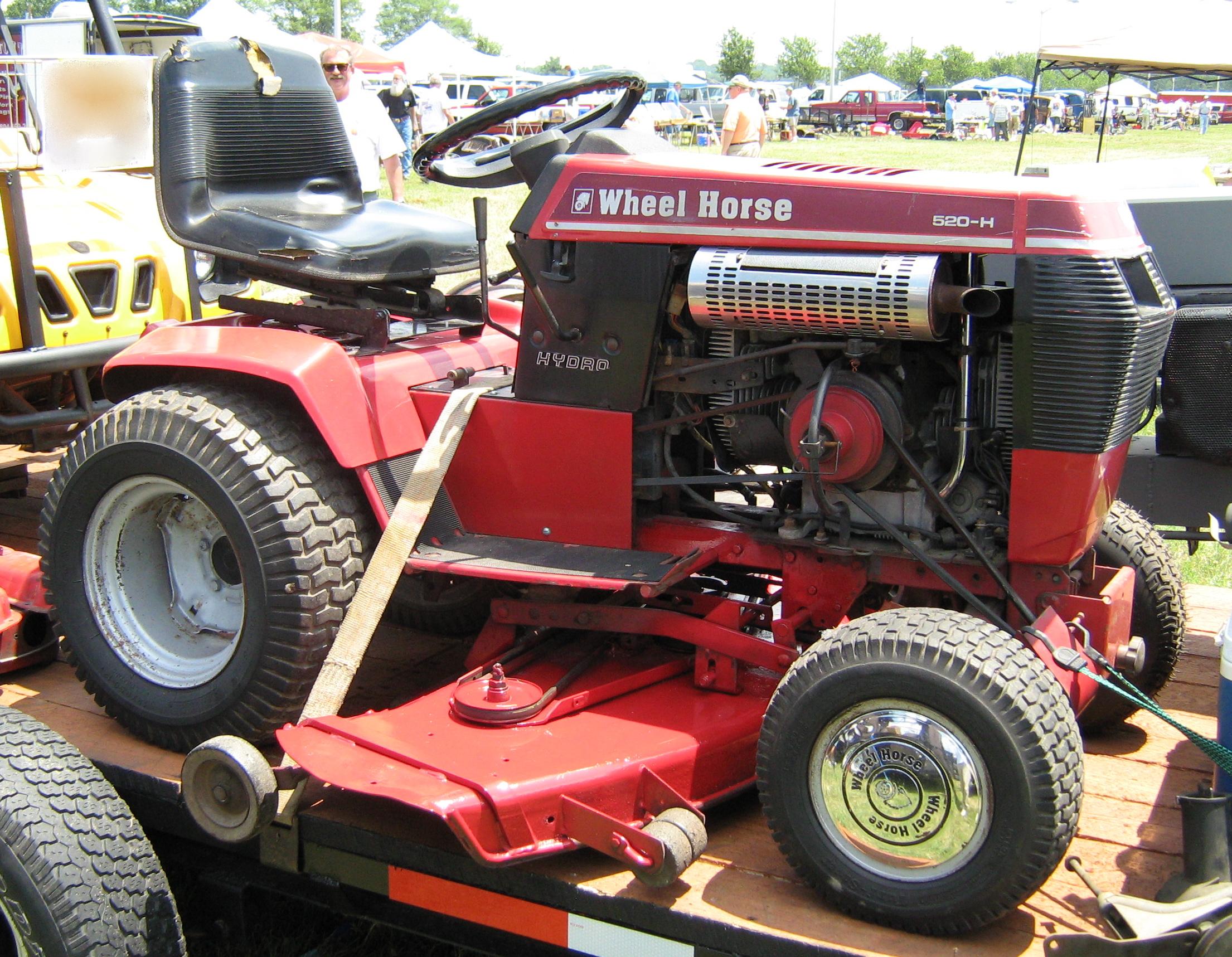 File:1986 Wheel Horse 520-H garden tractor-s jpg - Wikimedia