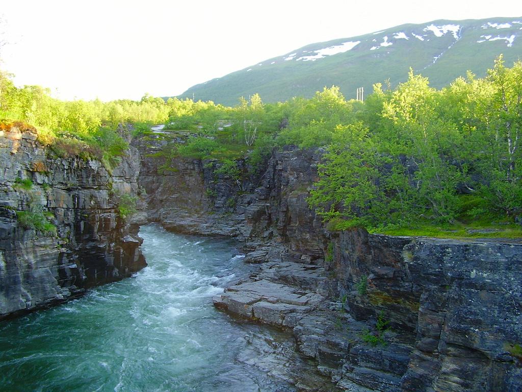Nella foto: il Parco nazionale Abisko, istituito nel 1909, è stato uno dei primi parchi nazionali svedesi