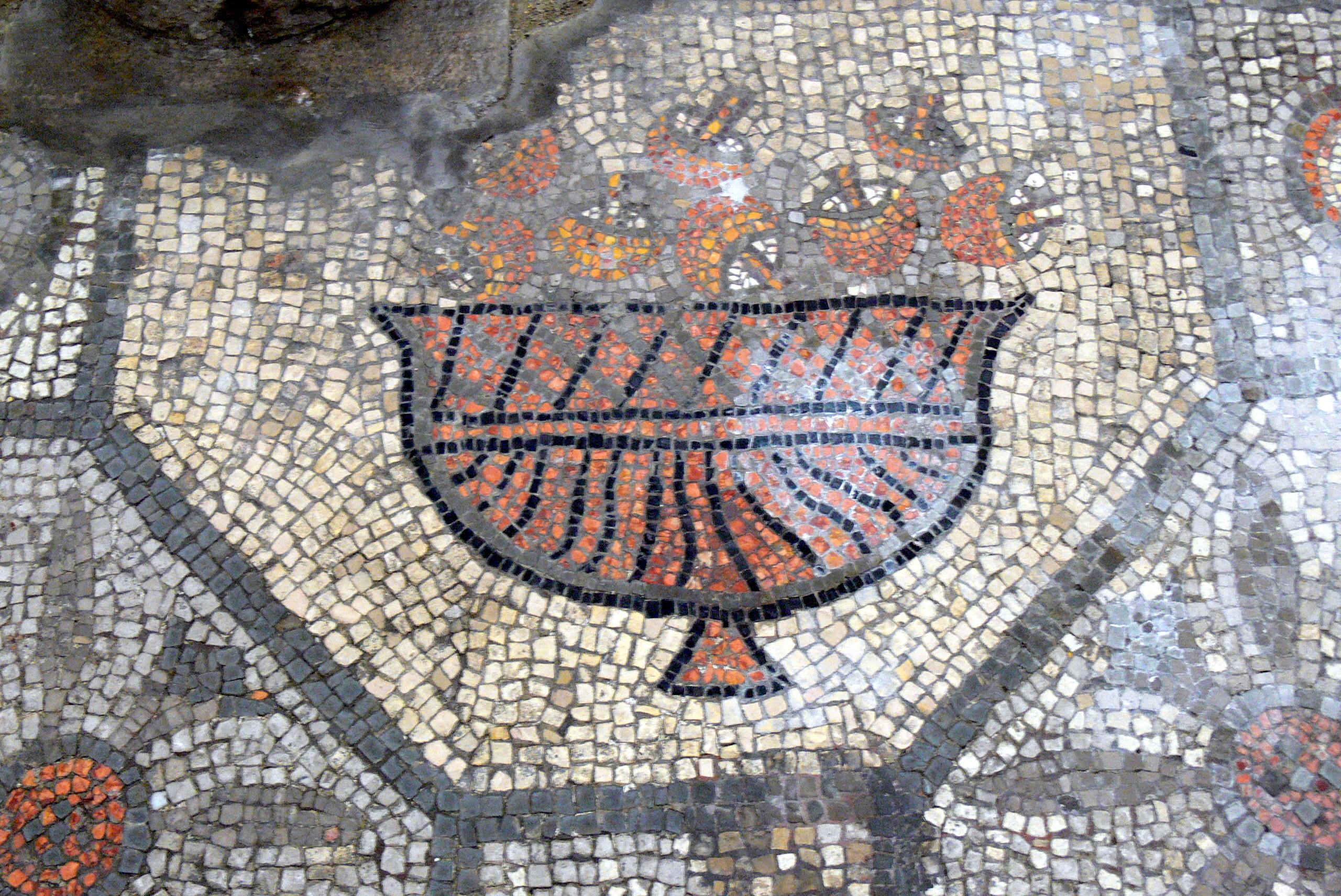 [Image: Aquileia_Basilica_-_Ausgrabungen_Mosaik_2.jpg]