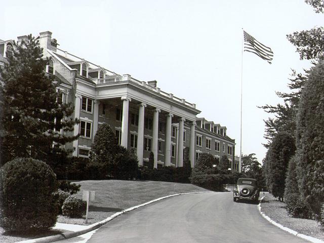 File:Arlington-hall.jpg