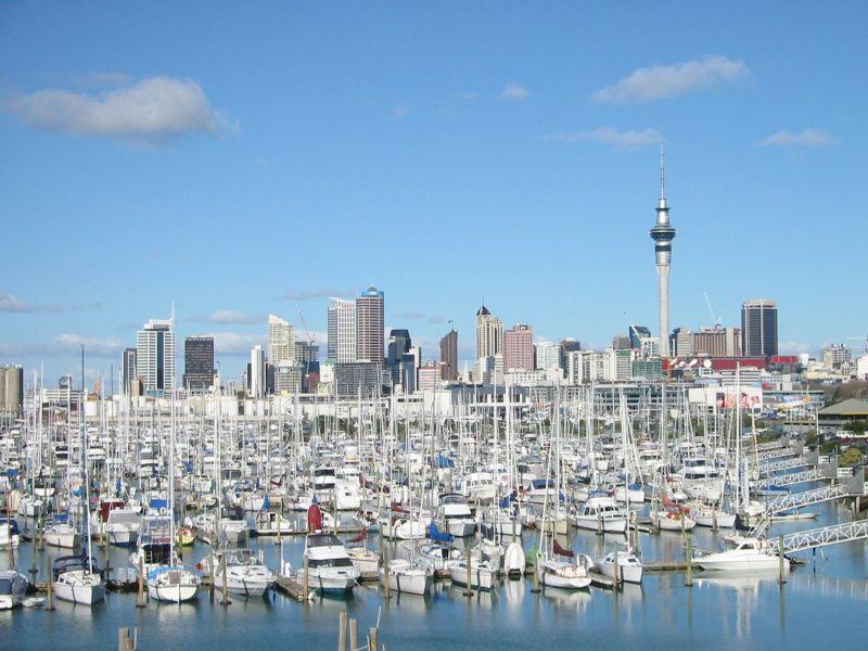 File:Auckland-CityOfSails2.jpg