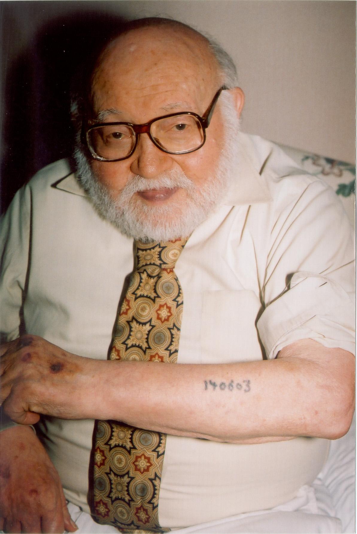 bestandauschwitz survivor displays tattoojpg wikipedia