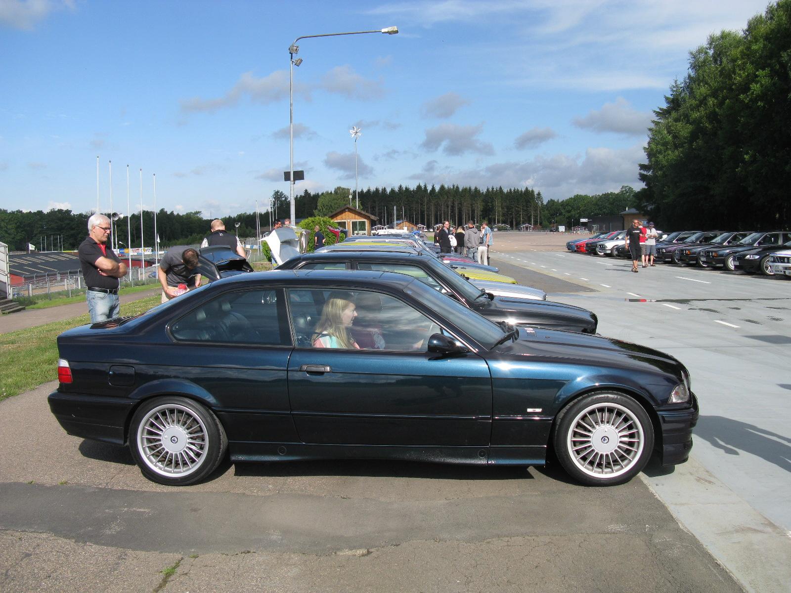 Bmw B8 2015 How Car Specs
