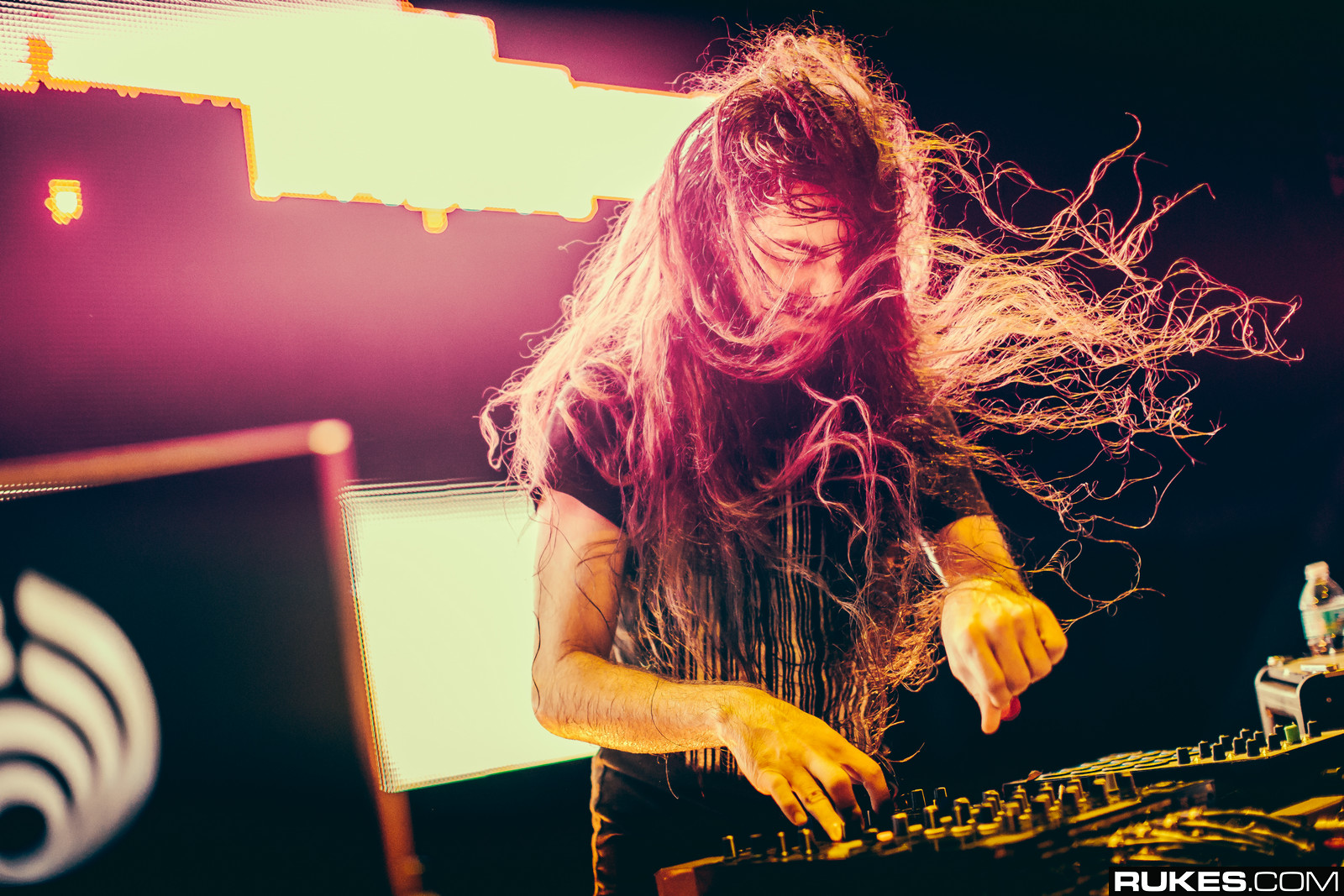Bassnectar press photo 2014.jpg