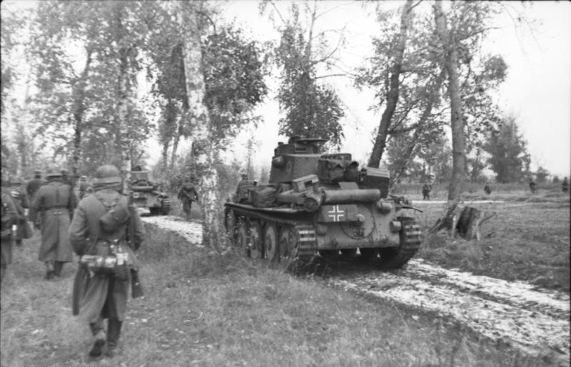 Infantrymen and PzKpfw 38(t), of Army Group North