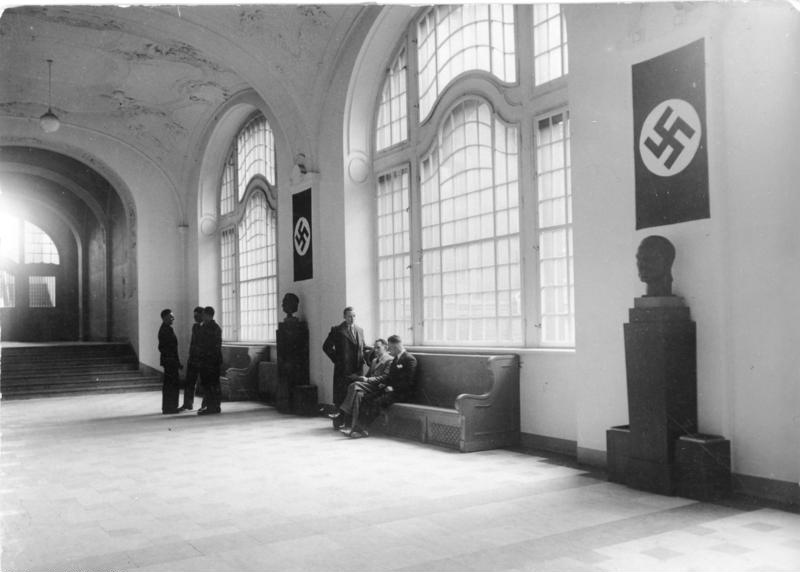 File:Bundesarchiv Bild 102-16180, Berlin, Geheimes Staatspolizeiamt.jpg