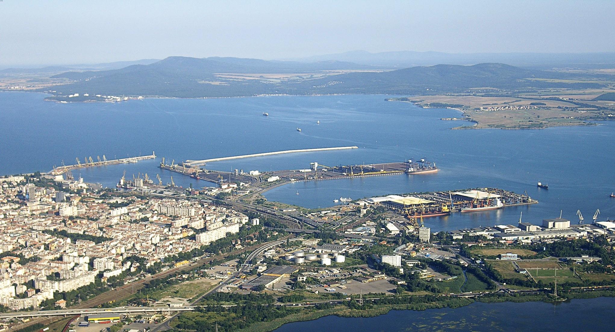 Burgas Bulgaria  City pictures : Burgas Juni2012 Hafen Burgas Wikimedia Commons