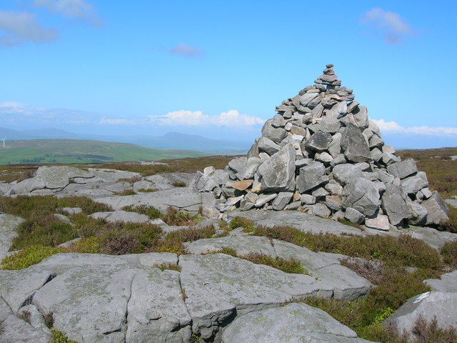 Cairn on Clougha Pike - geograph.org.uk - 1355779
