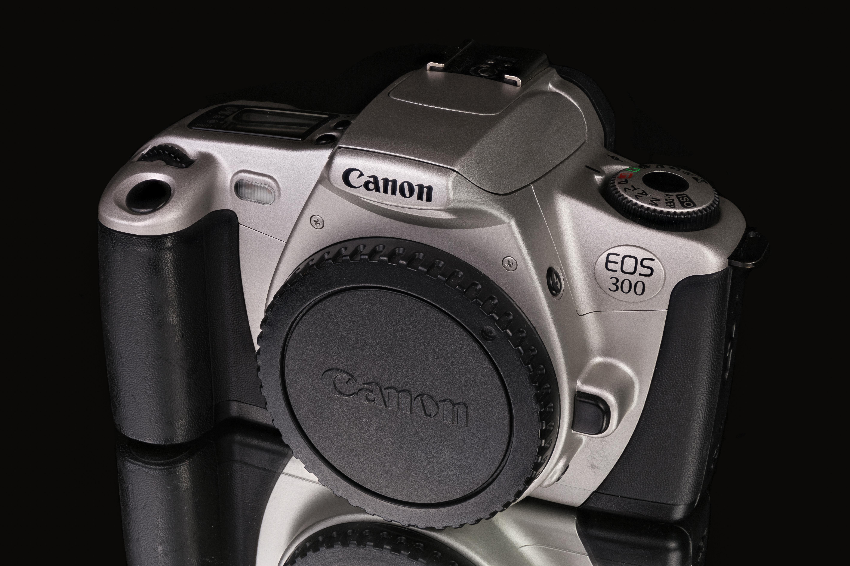 Canon EOS 300 - Wikipedia