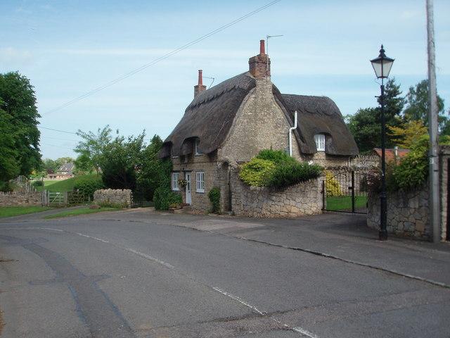 Castlethorpe Cottage - geograph.org.uk - 446366