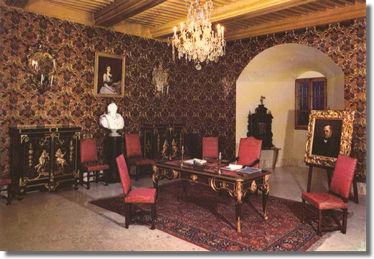 Fichier:Château de Thorens bureau du comte Camille de Cavour.jpg