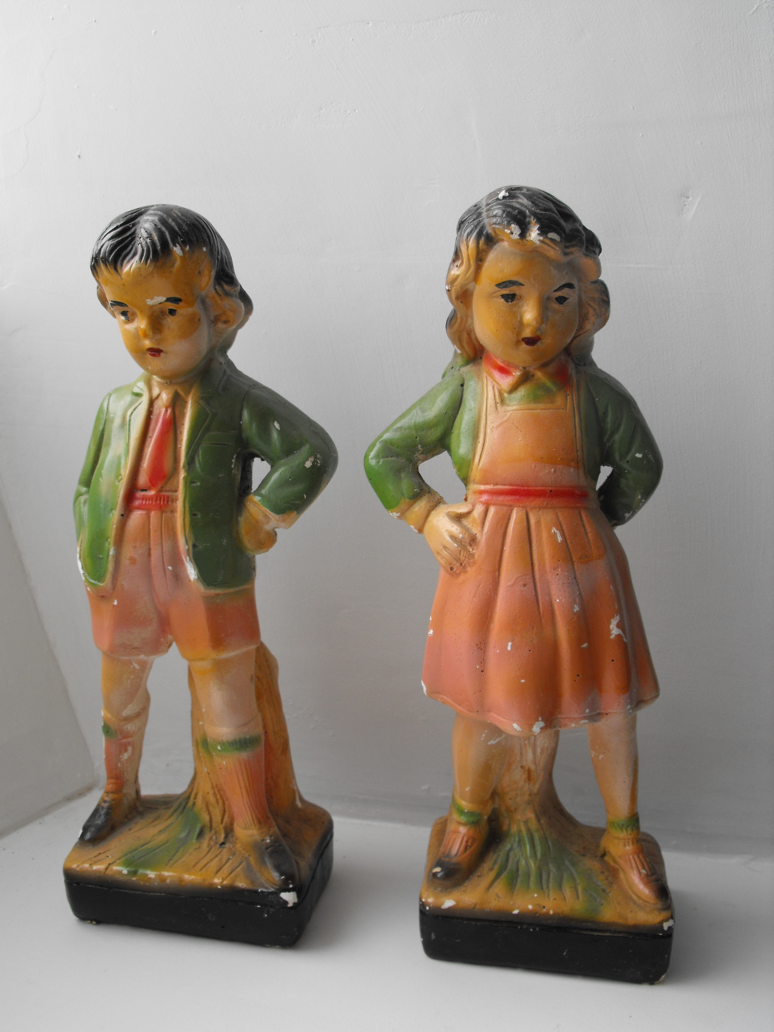 Boy /& Girl Mid Century. Pair Vintage Asian Figurines