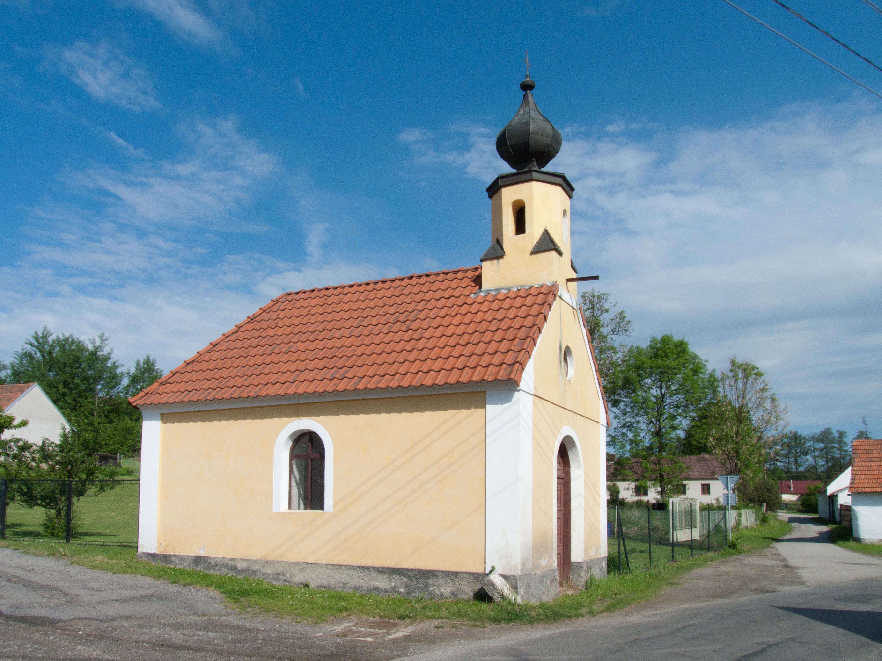 kaple sv. Vojtěcha ve Dvorcích