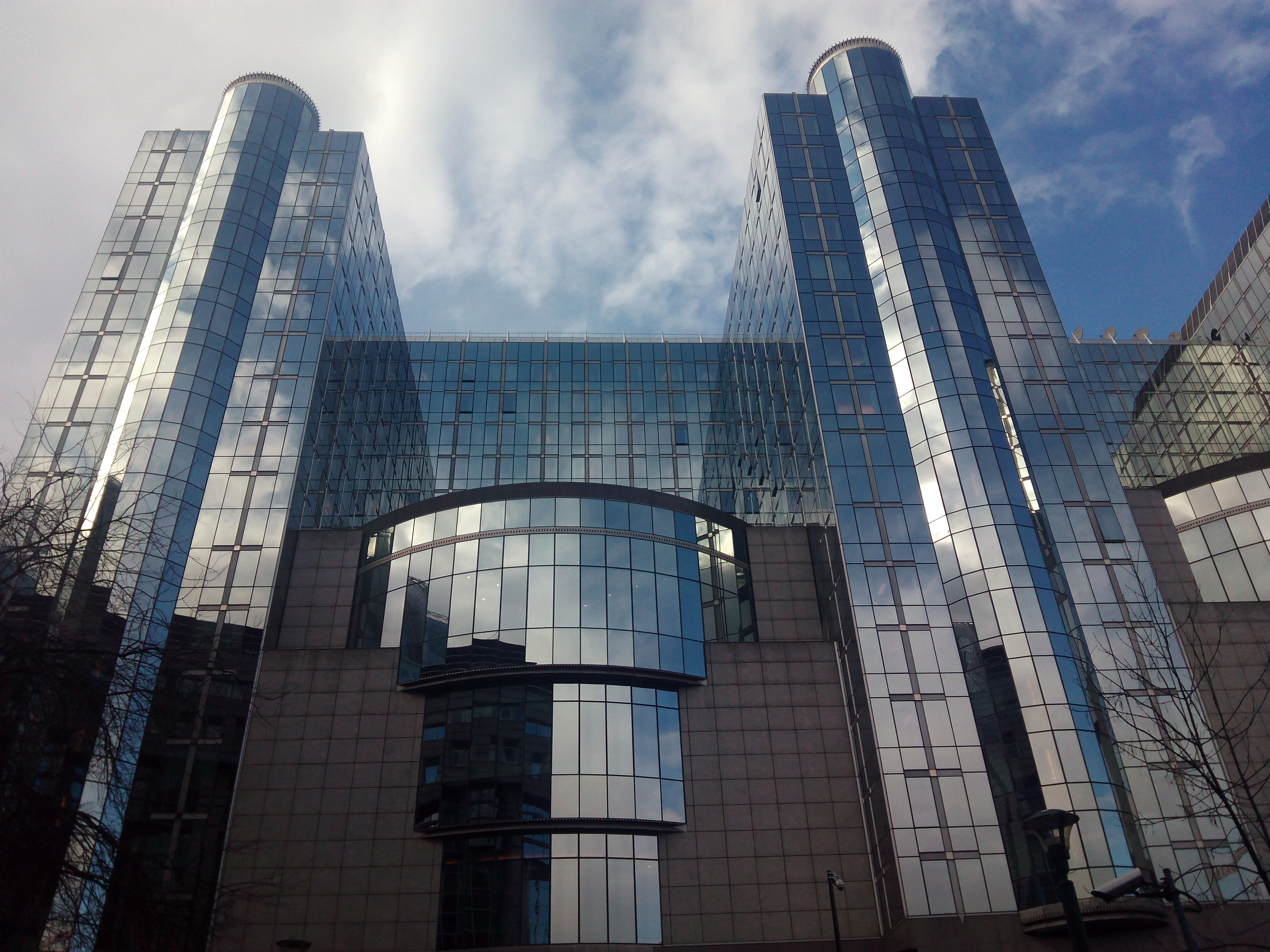 Брюссель современные правительственные здания фото