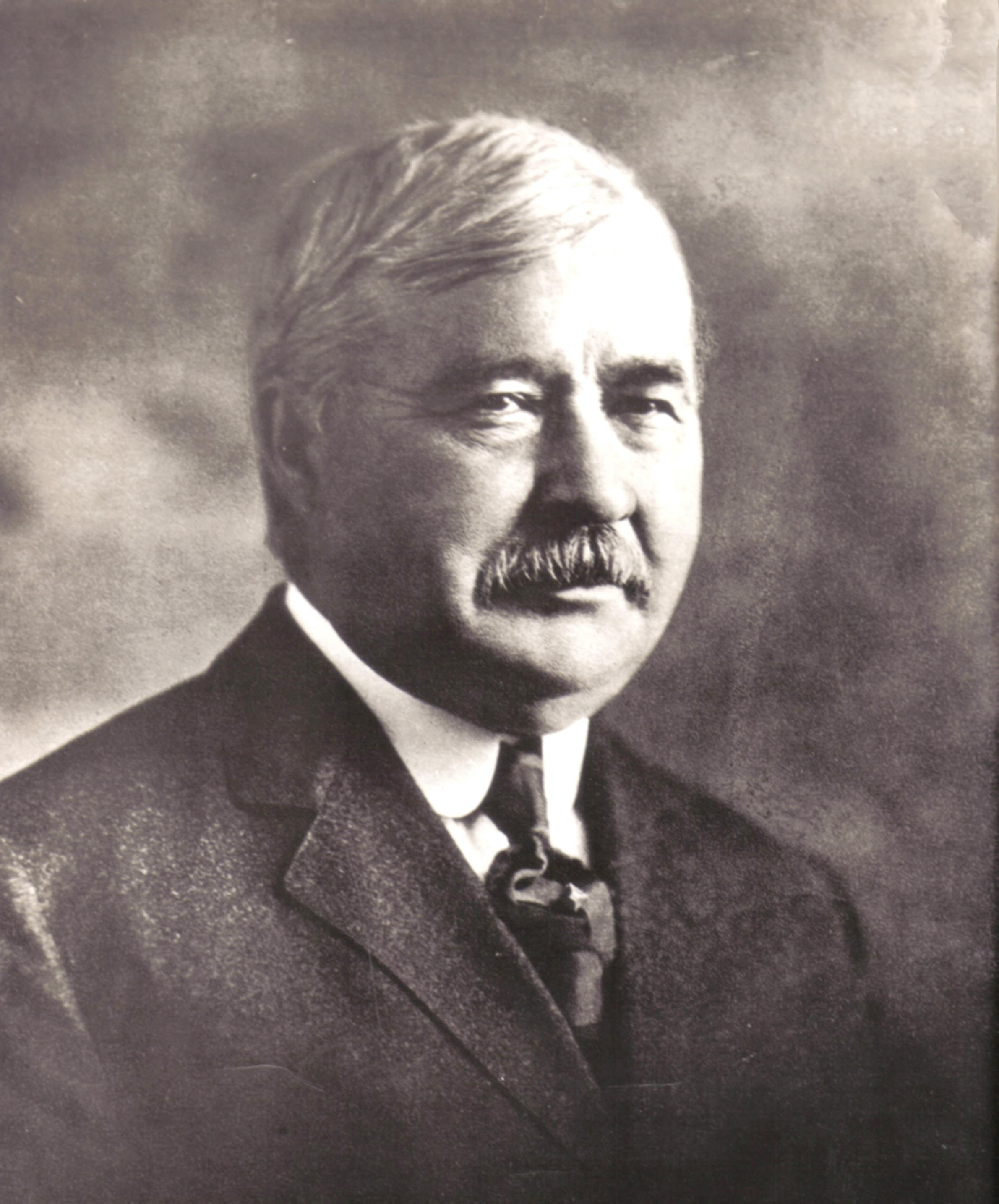 File:Elwood Hayne (Indiana automobile inventor).jpg - Wikimedia Commons