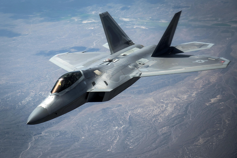 Resultado de la imagen para Stealth F-22 Raptor + bandera roja