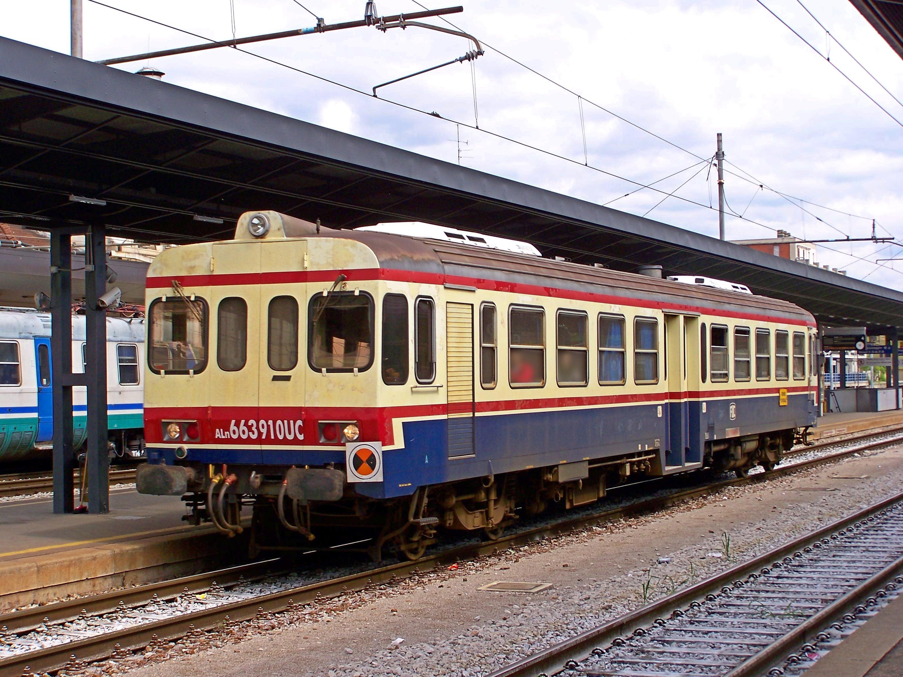 File:FUC ALn 663 910 Udine stazione 20120514b.JPG ...